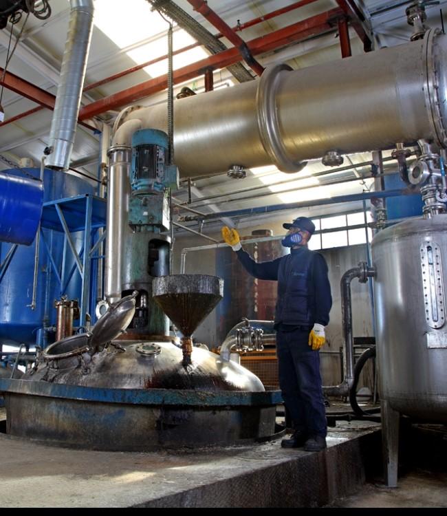 Консервировщик оборудования и металлоизделий